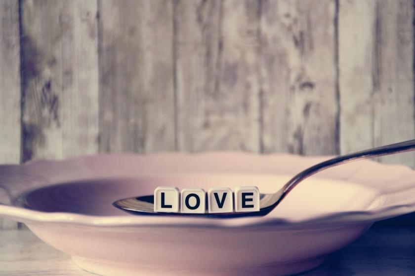 love-4006983_1920